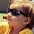 Bebe de Óculos usando Nenem Bacana